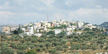 Palestinesi soffrono a causa della mancanza d'acqua corrente