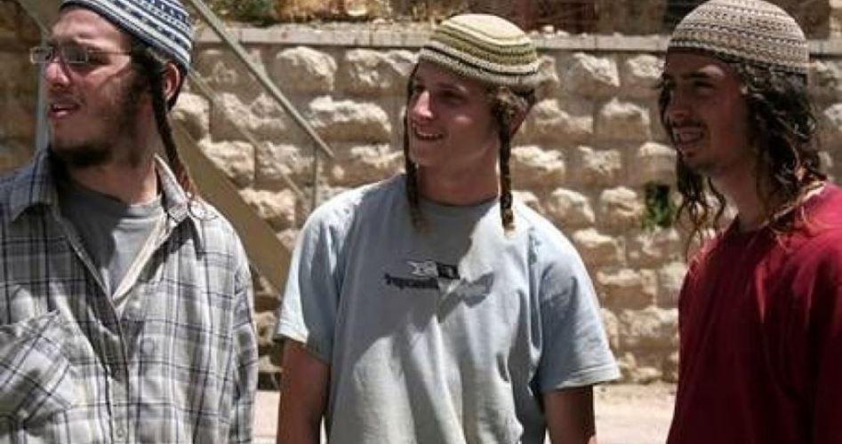 Gang di coloni attacca scuola di Nablus