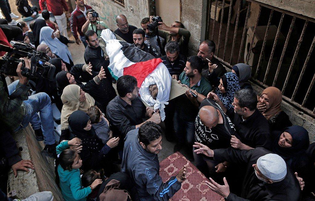 Cisgiordania, un ragazzo Palestinese ucciso e decine di feriti durante manifestazioni represse da Israele