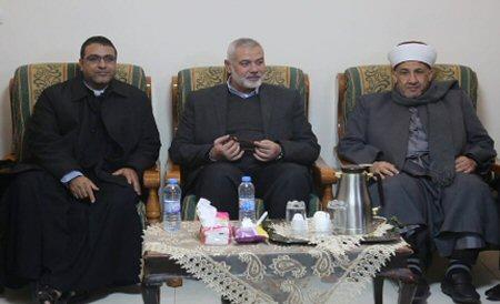 Haniyah visita monastero latino a Gaza per festività natalizie: stretta relazione tra musulmani e cristiani in Palestina