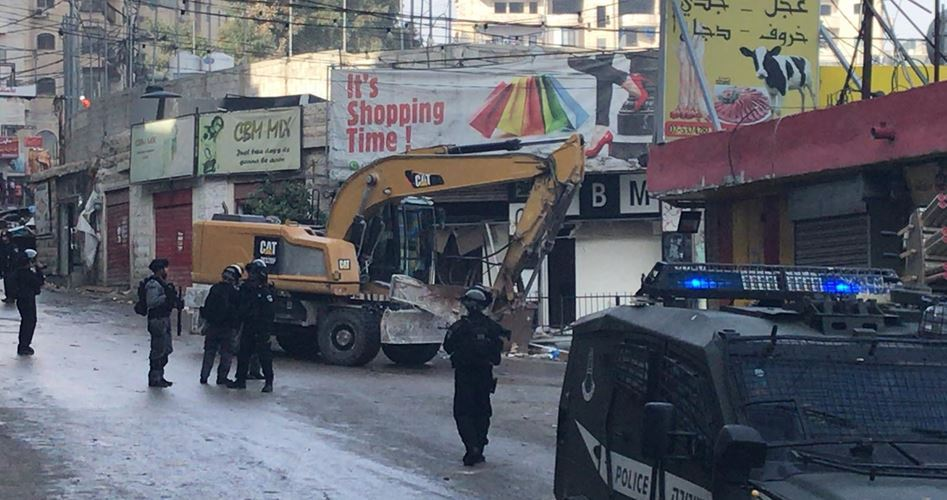 Israele demolisce edificio di tre piani a Gerusalemme