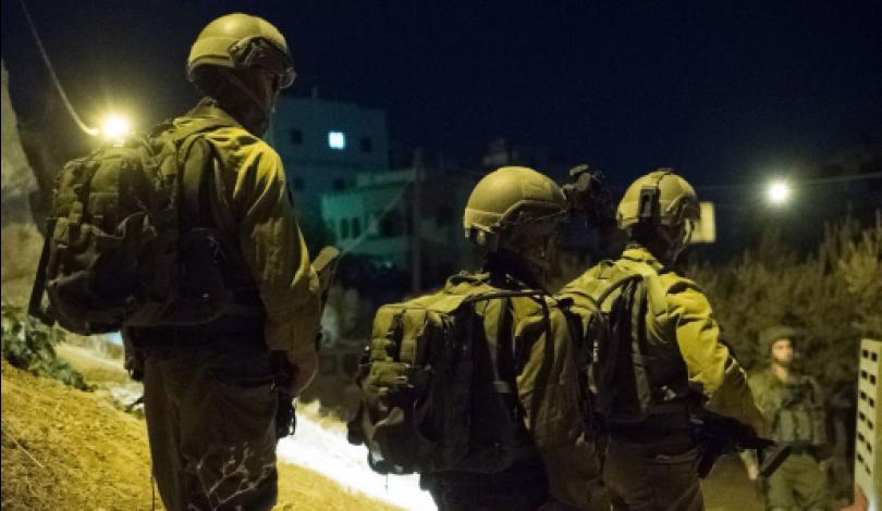 Diversi Palestinesi arrestati dalle forze di occupazione, compresi ragazzini