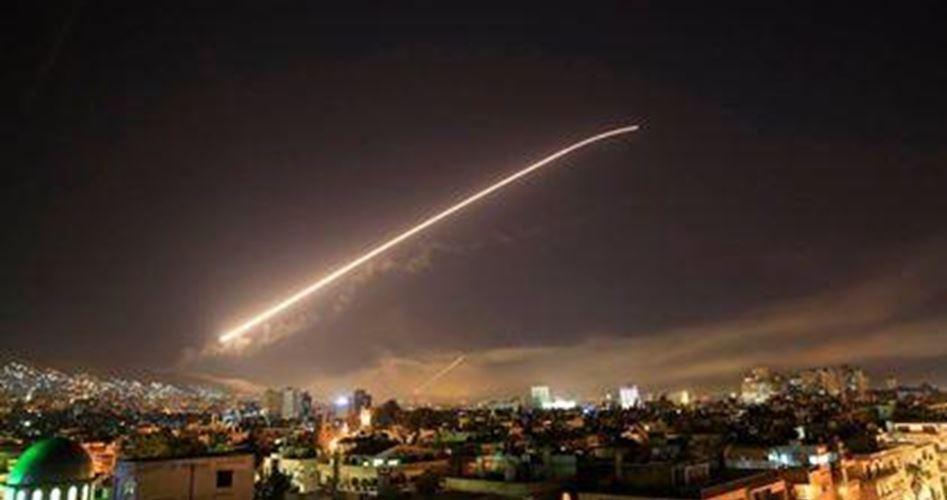 L'esercito di occupazione israeliano colpisce obiettivi in Siria