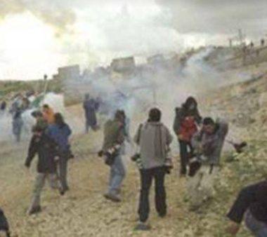 Soldati israeliani feriscono diversi palestinesi a Ni'lin
