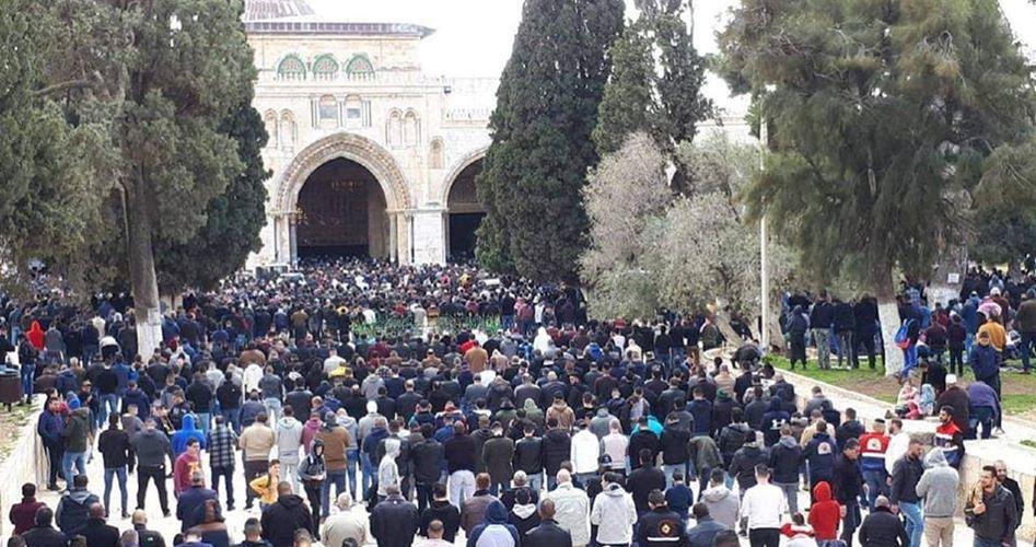 Fedeli musulmani obbligano polizia israeliana a sbloccare la Porta di al-Rahma