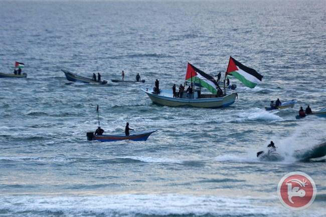 Forze israeliane feriscono manifestanti durante protesta navale a Gaza