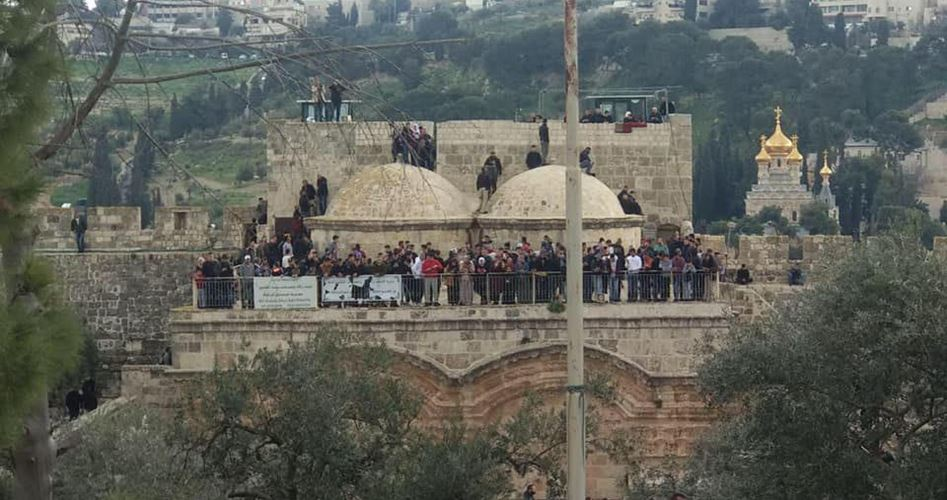 Capo della polizia israeliana invade area di Bab al-Rahma