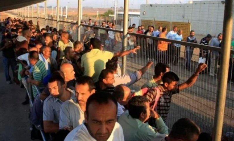 Lavoratori palestinesi aggrediti al checkpoint tra Gerusalemme e Betlemme
