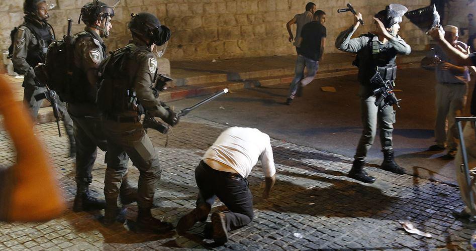 Gerusalemme, truppe e coloni israeliani invadono al-Aqsa