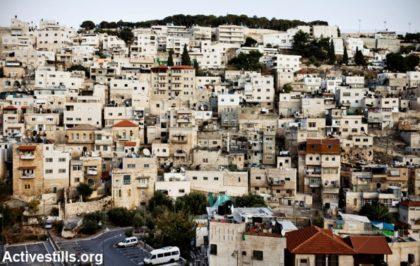 Famiglia palestinese riceve ordine di sfratto