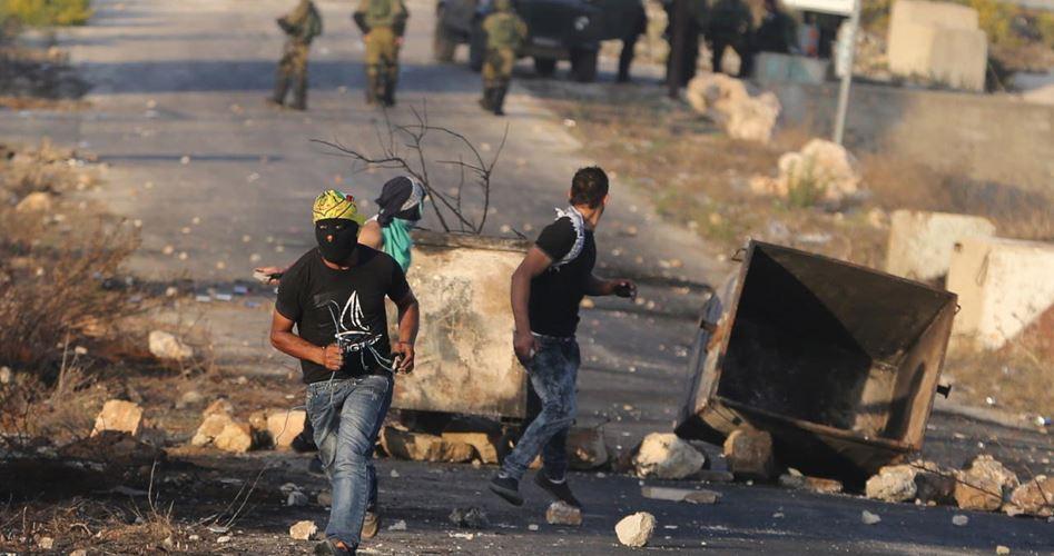 Le forze israeliane feriscono 6 palestinesi a al-Bireh