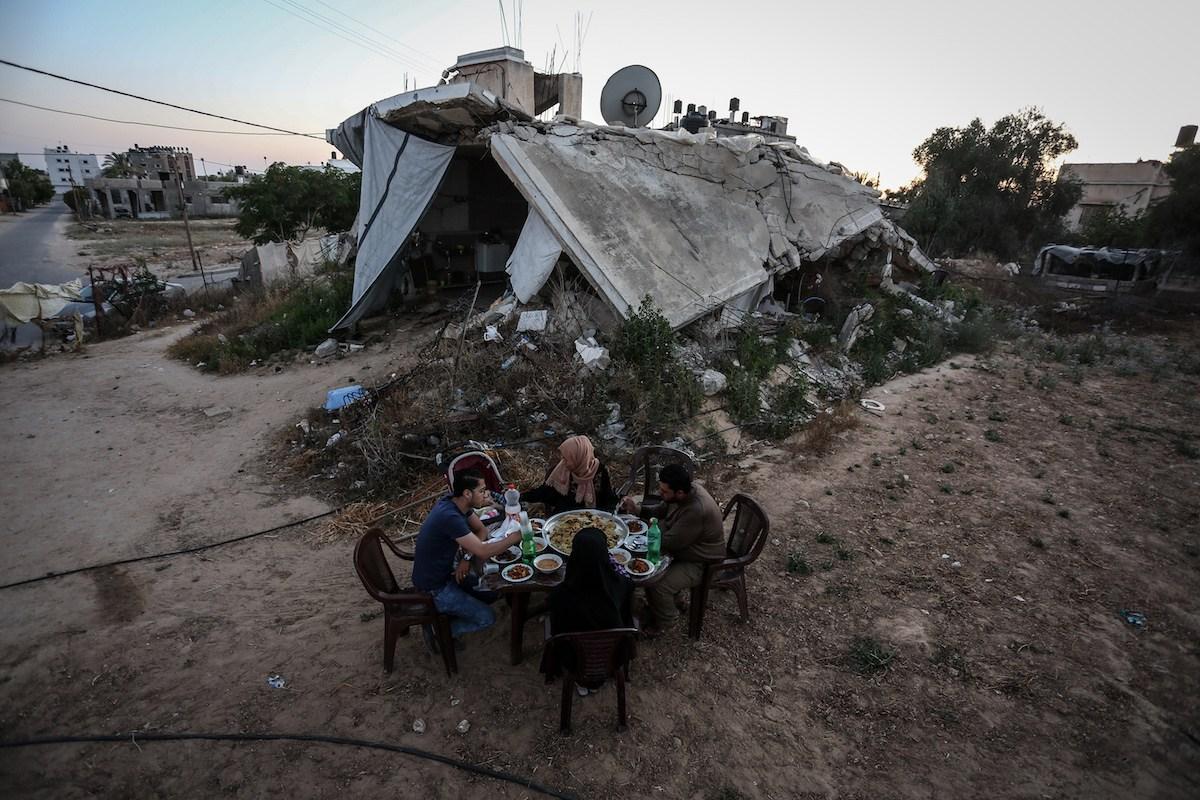 A 4 anni e mezzo dall'offensiva israeliana su Gaza, 13 mila palestinesi ancora senza casa