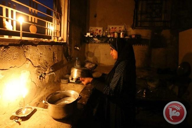 Striscia di Gaza, black-out elettrico lascia ampie aree senza luce e riscaldamento