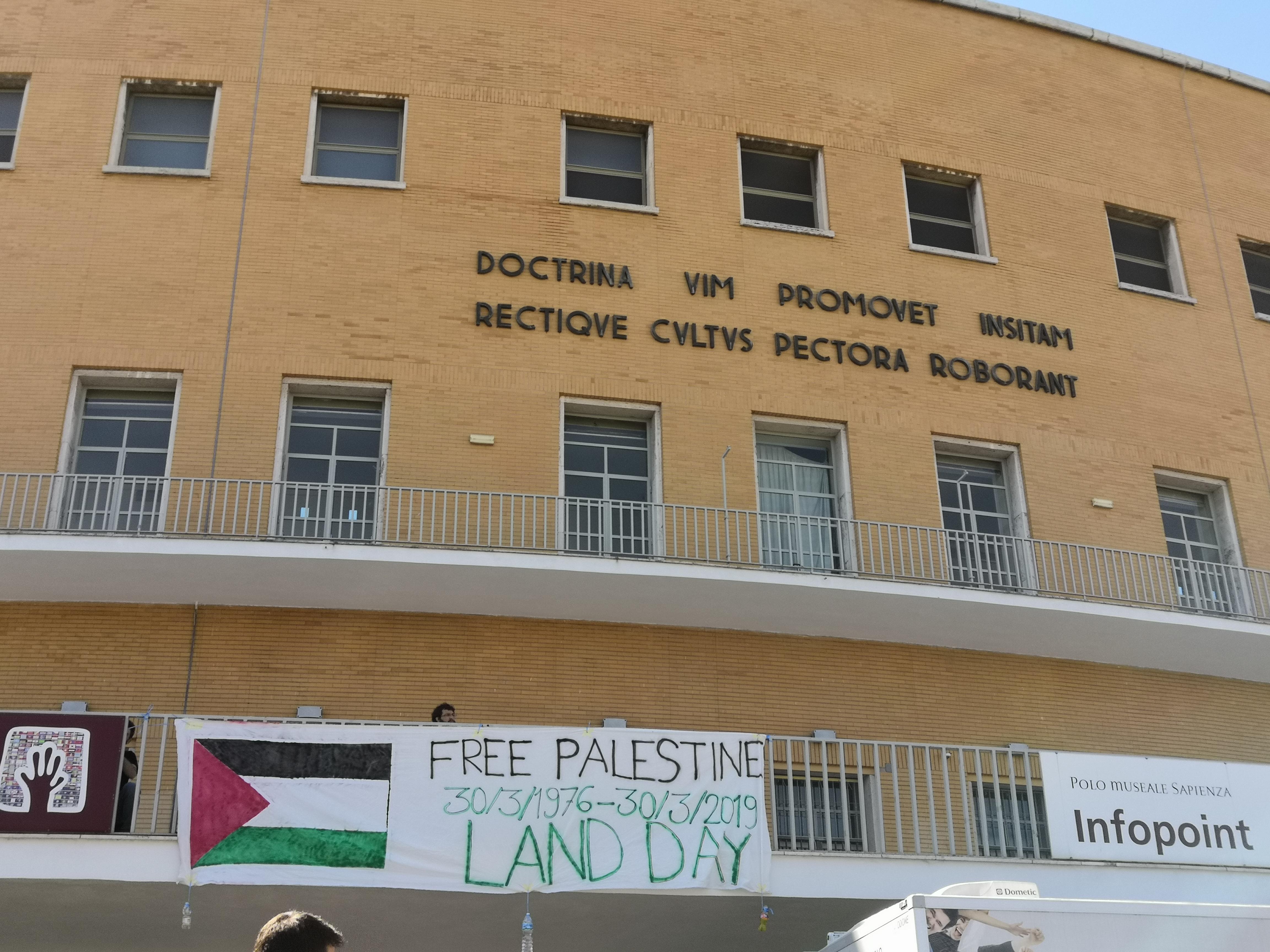 Solidarietà con la Palestina alla Sapienza di Roma