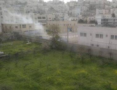 Le forze israeliane sparano lacrimogeni su una scuola elementare: diversi alunni e insegnanti intossicati