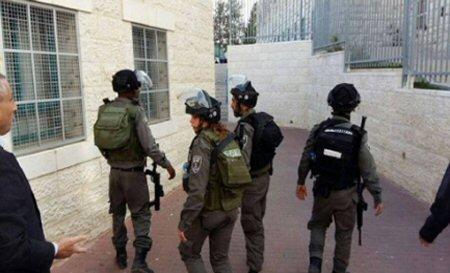 Le forze israeliane invadono scuola elementare e rapiscono bimbo di 10 anni