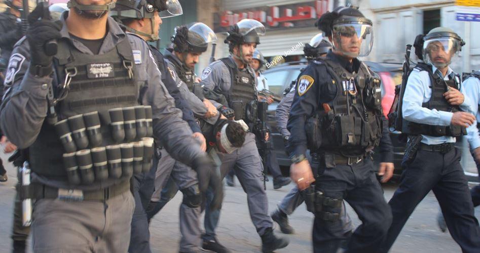 Polizia israeliana aggredisce ed arresta palestinesi a Gerusalemme