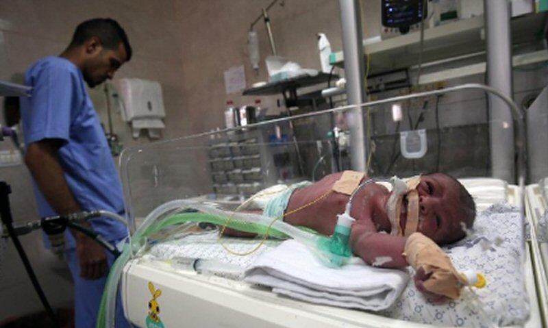 Ospedali di Gaza senza latte terapeutico per bambini palestinesi