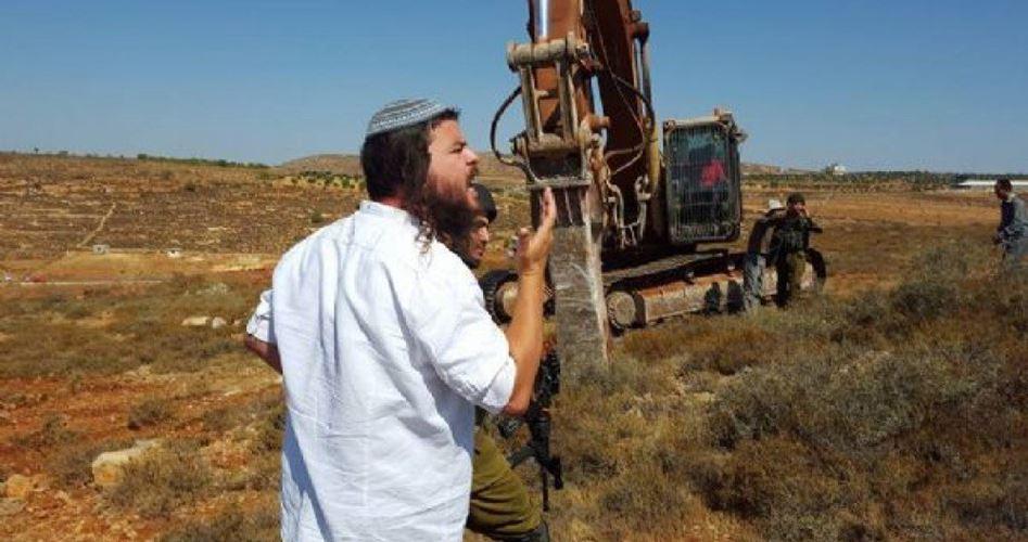 Coloni radono distruggono campi agricoli palestinesi