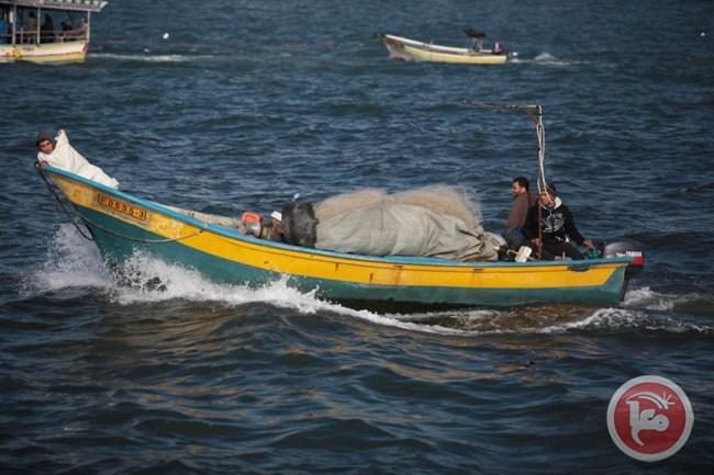 Marina israeliana attacca pescatori palestinesi con acqua skunk