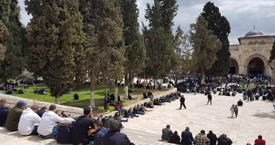 40 mila palestinesi realizzano preghiera del venerdì ad al-Aqsa