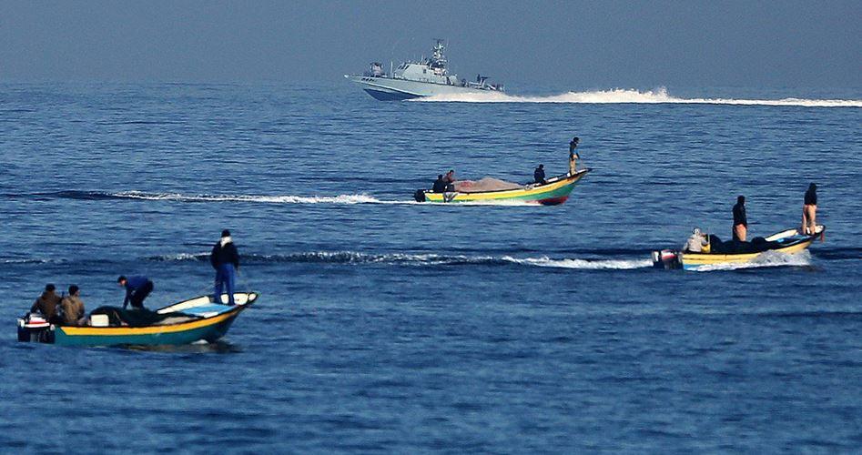 Le forze di occupazione israeliane aprono il fuoco contro pescatori e contadini di Gaza