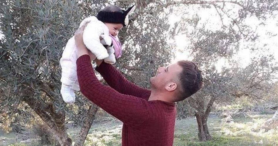 Joan, 7 mesi, resa orfana dopo che un colono israeliano ha ucciso suo padre
