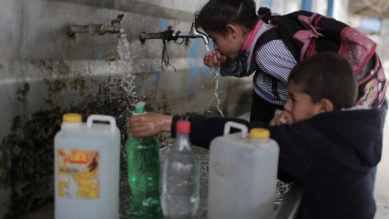 L'accesso all'acqua potabile è un diritto dell'umanità. Perché in Palestina no?