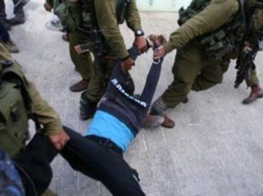 Minorenni palestinesi nel mirino delle forze israeliane: 3 adolescenti picchiati e presi a calci durante l'arresto e l'interrogatorio