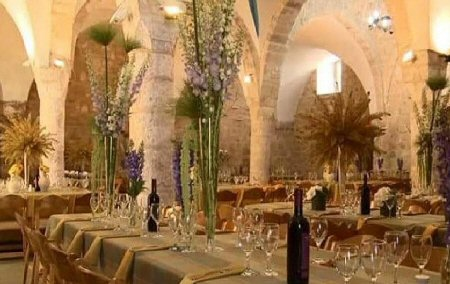 Israele trasforma una storica moschea in bar