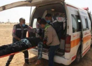 I soldati israeliani feriscono un Palestinese a Gaza