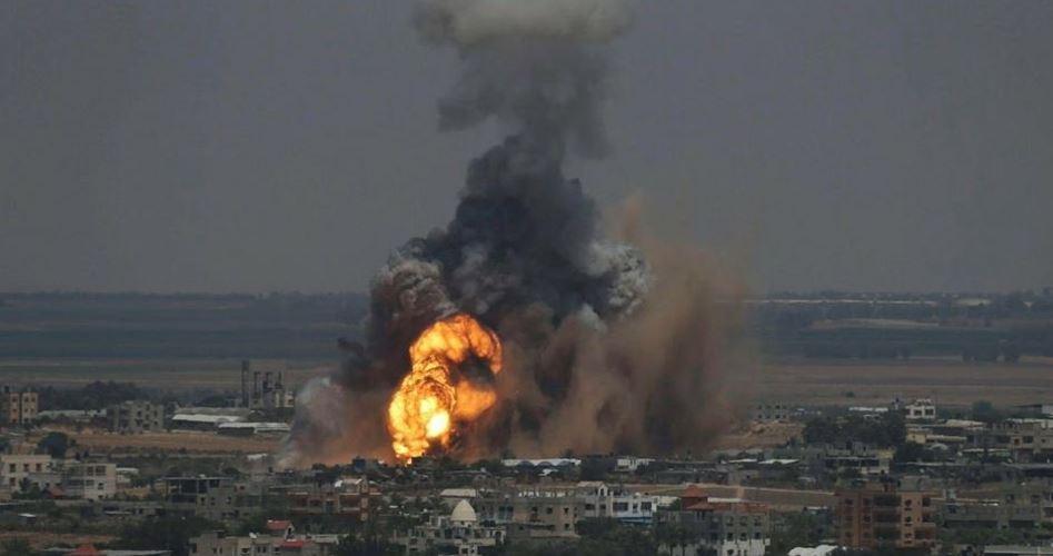 Striscia di Gaza, bombardamenti israeliani uccidono 2 giovani