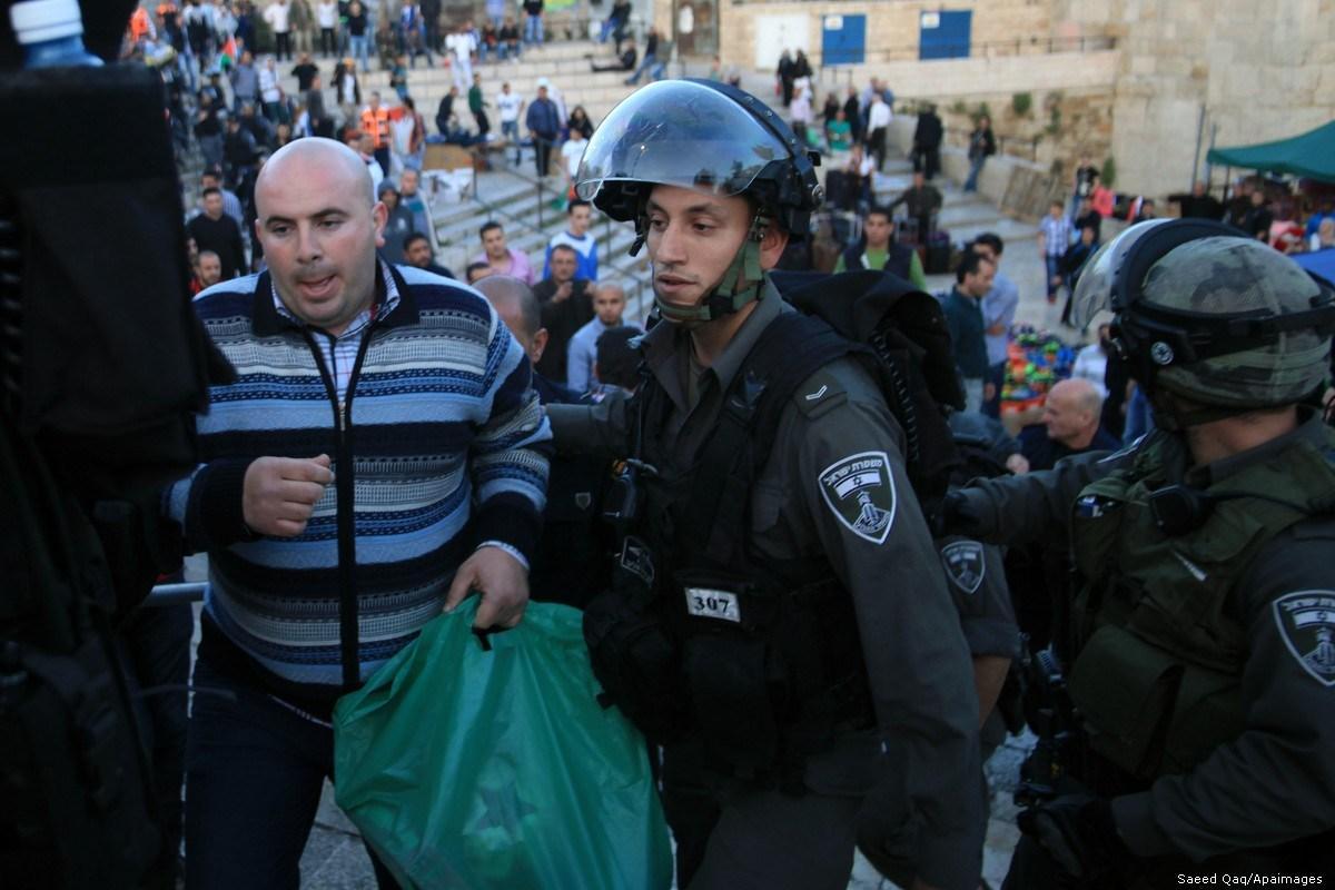 100 Palestinesi arrestati nei primi 10 giorni di Ramadan