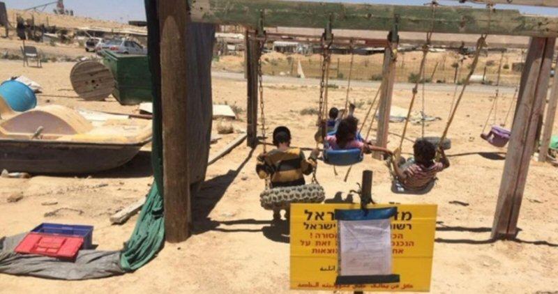 Israele demolirà un parco-giochi nel villaggio beduino di Rakhma