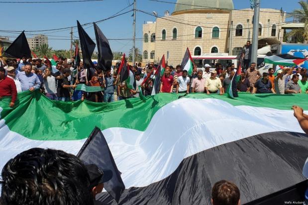 Manifestazioni di massa contro la conferenza del Bahrain