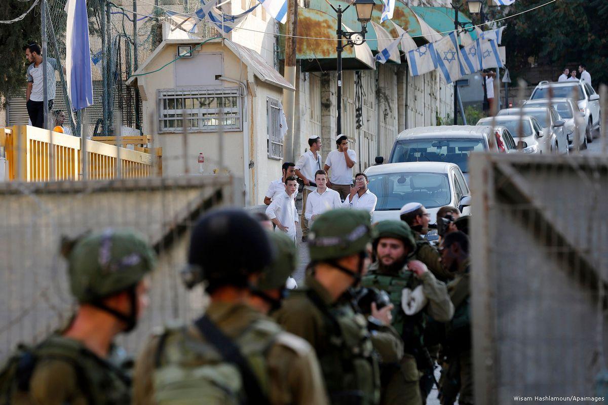 """Coloni rendono la vita dei palestinesi a Hebron """"un inferno"""""""