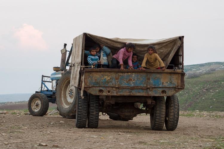 I giovani palestinesi sfruttati nei campi dei coloni