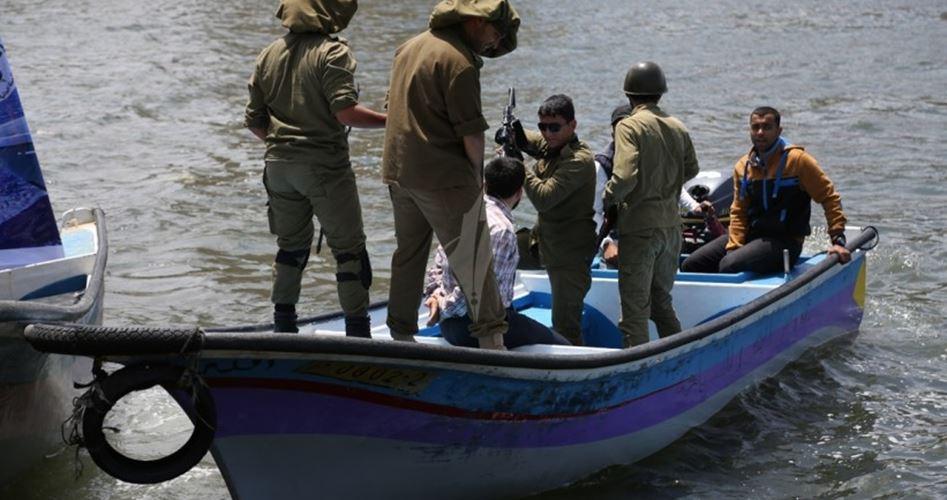 La marina militare israeliana sequestra 2 pescatori di Gaza