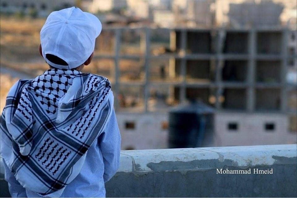 Le indescrivibili emozioni dei bambini palestinesi di fronte alla demolizione della loro casa