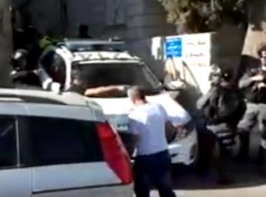 """Soldati israeliani rapiscono madre di ragazzino """"ricercato"""" per costringerlo a costituirsi"""