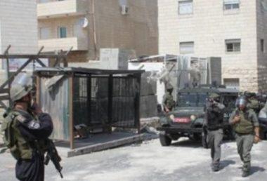 Da giovedì, i soldati israeliani hanno ucciso un Palestinese, ne hanno feriti 95 e rapiti a decine