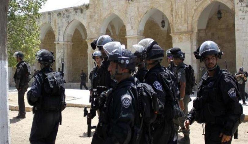 Gerusalemme, complesso di al-Aqsa, le forze israeliane rapiscono 2 ragazze