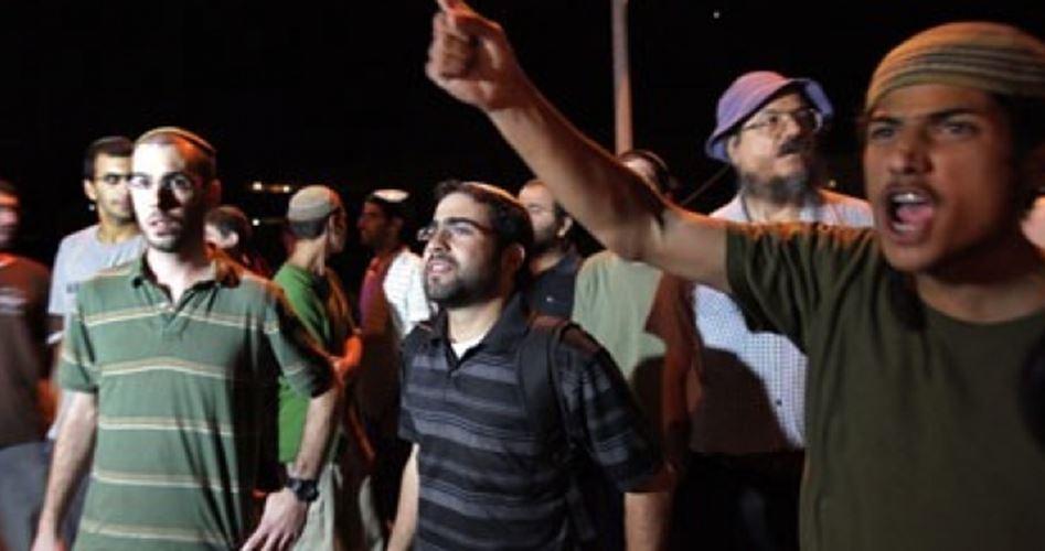 Coloni attaccano case palestinesi ad Hebron