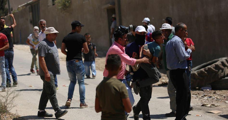 Decine di palestinesi feriti dalle IOF durante manifestazione a Kafr Qaddum