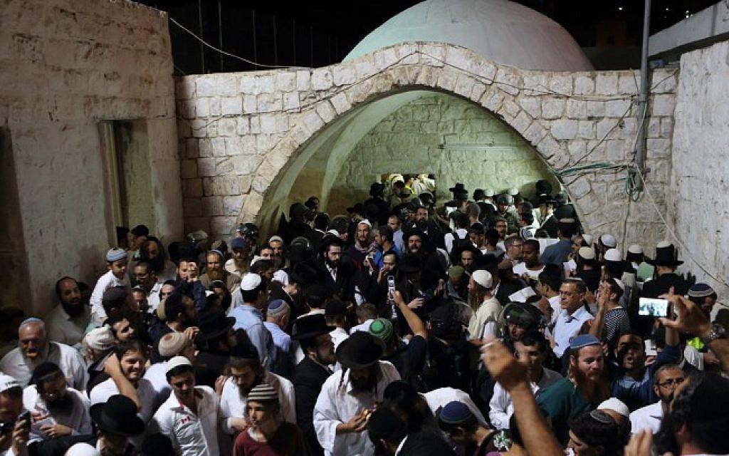 """Nablus, 1200 coloni invadono l'area della """"Tomba di Giuseppe"""""""