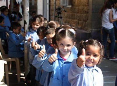 46.000 studenti rifugiati tornano nelle scuole dell'UNRWA
