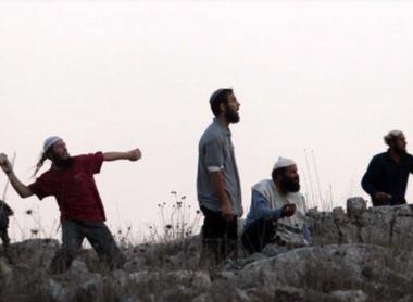 Coloni aggrediscono tre bambini palestinesi a Hebron
