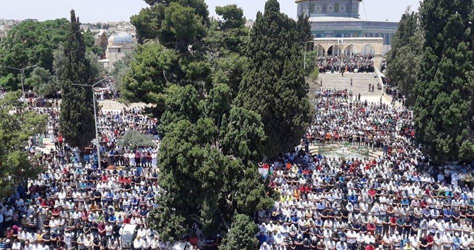 Gerusalemme, 40.000 Palestinesi pregano a al-Aqsa