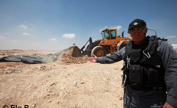 Israele si appresta a trasformare i cittadini beduini in rifugiati nel loro stesso Paese