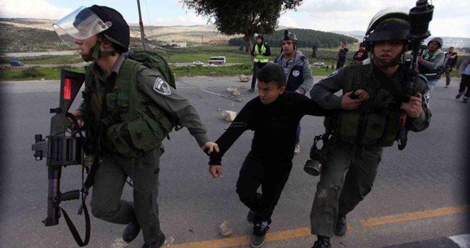 IOF rapiscono 3 bambini palestinesi a Hebron